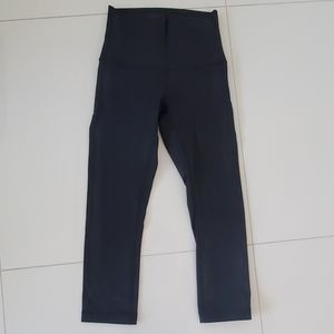 Black lululemon size 4 high waisted capri pants